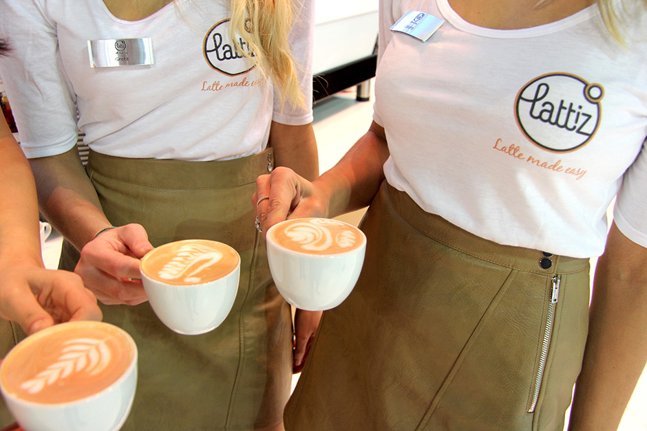 hostess trade show fiera host lattiz booth