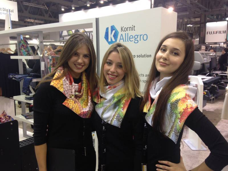 Hostess fiera ITMA